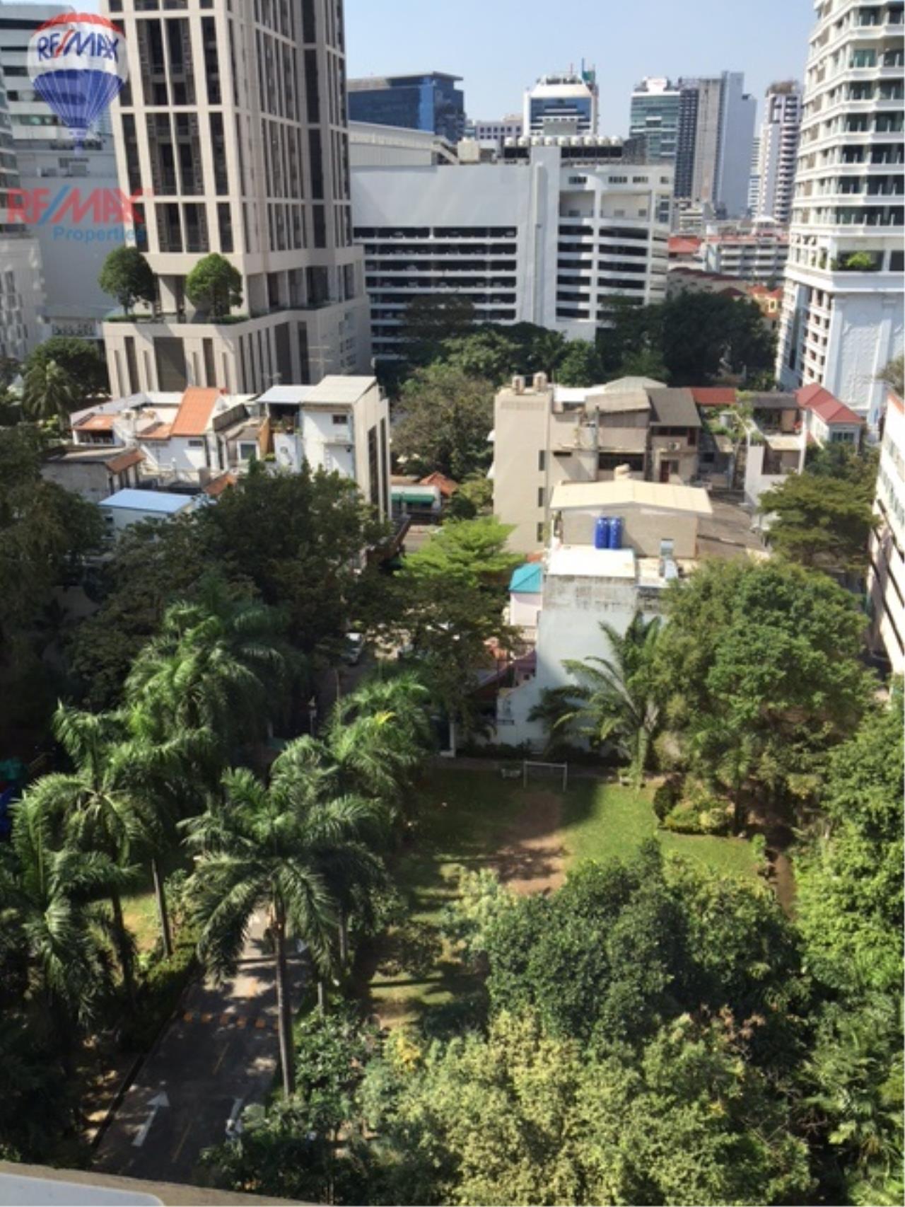 RE/MAX Properties Agency's 4 Bedroom 330 Sq.m high floor for rent in Soi 39 14