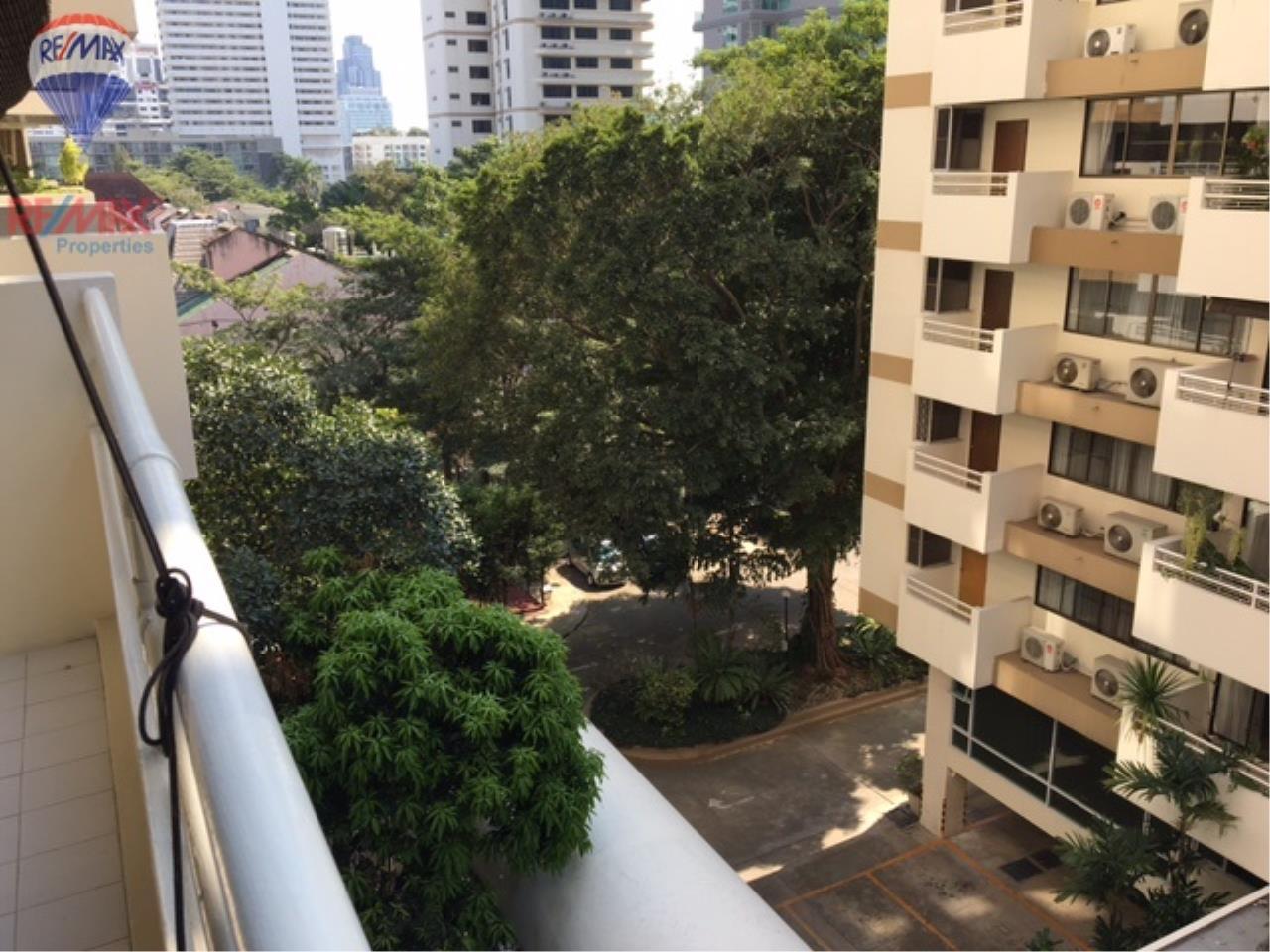 RE/MAX Properties Agency's 4 Bedroom 330 Sq.m high floor for rent in Soi 39 6