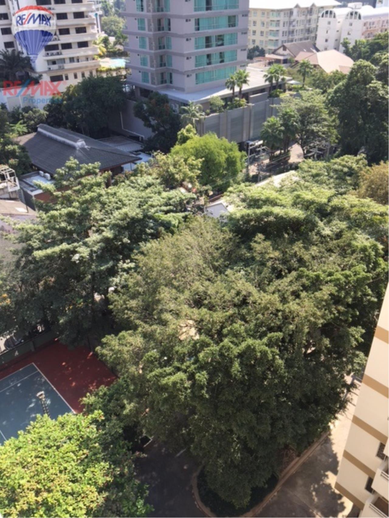 RE/MAX Properties Agency's 4 Bedroom 330 Sq.m high floor for rent in Soi 39 7