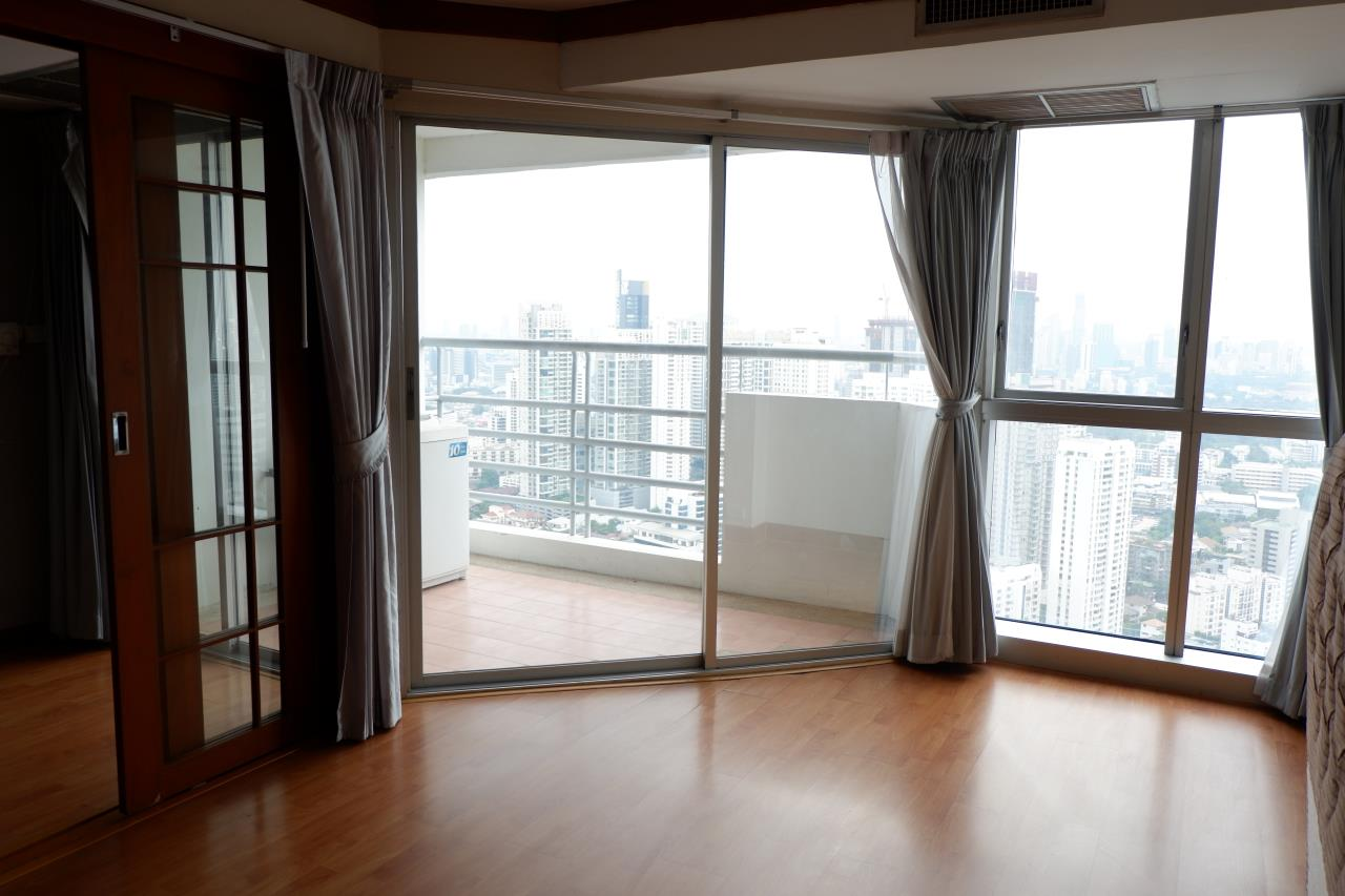 RE/MAX Properties Agency's For renting 1 Bedroom 52 Sq.M. only 27,000 in The Waterford Diamond 30/1, Sukhumvit 3