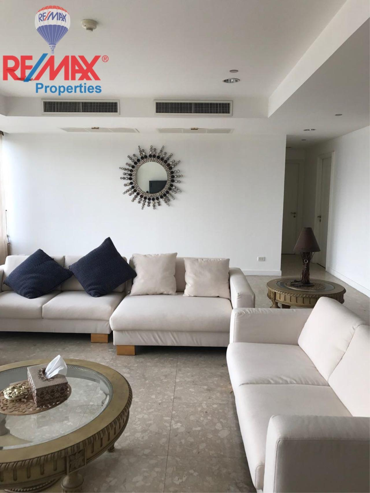 RE/MAX Properties Agency's For SALE and RENT !! 4 beds 4 baths @ Hampton Thonglor 10  2