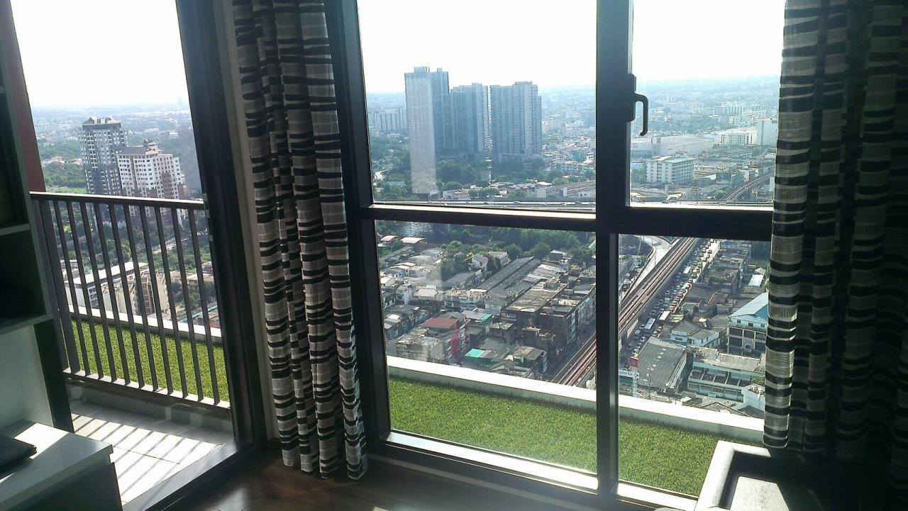RE/MAX Properties Agency's 1 Bedroom Penthouse for Rent WYNE Sukhumvit Condo 9