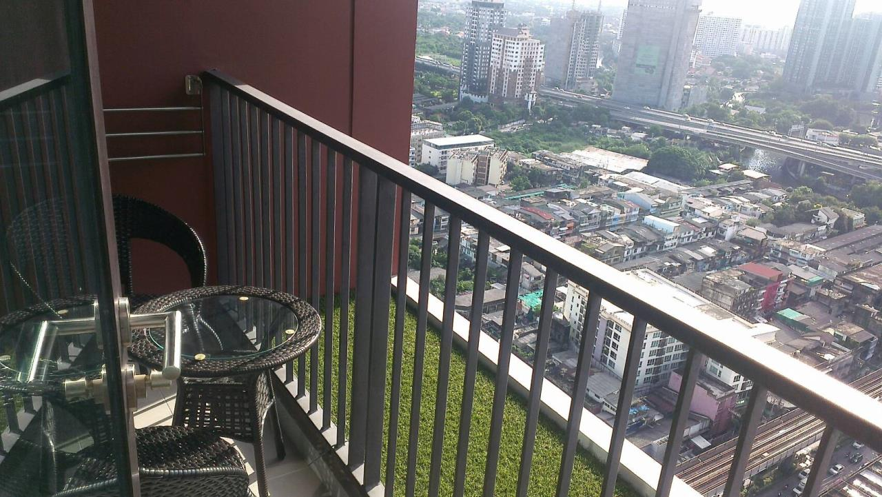 RE/MAX Properties Agency's 1 Bedroom Penthouse for Rent WYNE Sukhumvit Condo 2