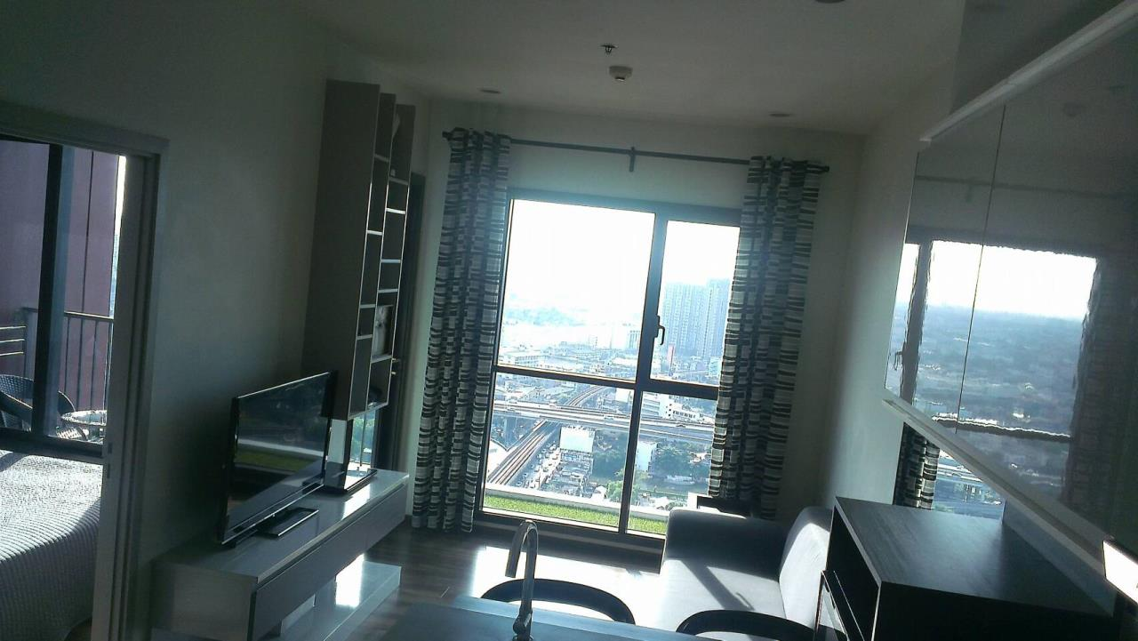 RE/MAX Properties Agency's 1 Bedroom Penthouse for Rent WYNE Sukhumvit Condo 4