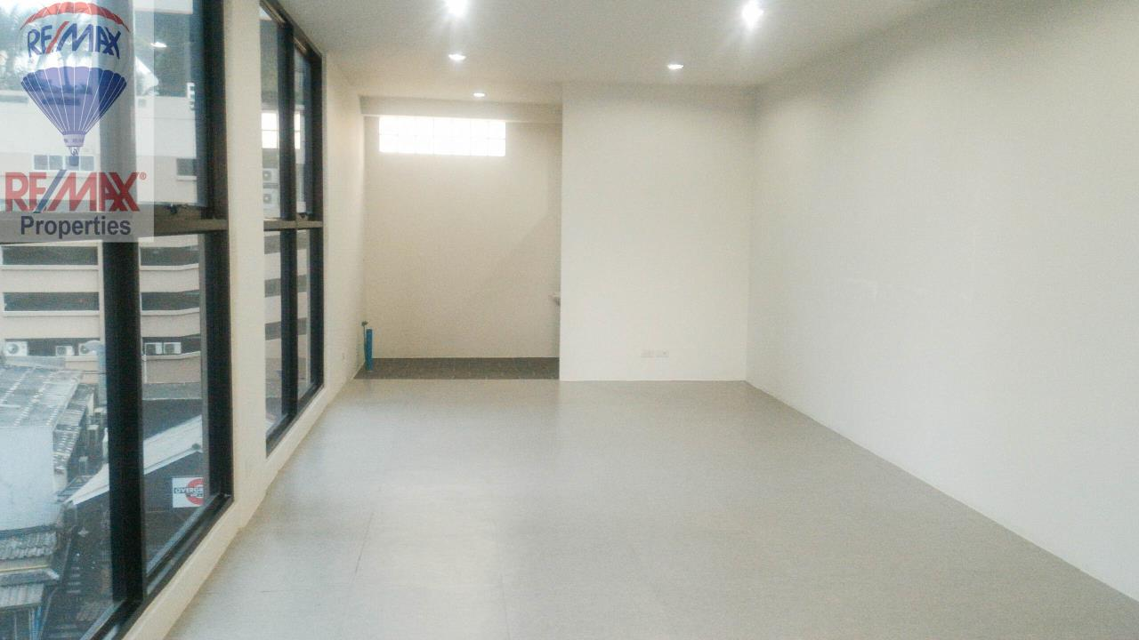 RE/MAX Properties Agency's Office for rent near Sukhumvit road 3