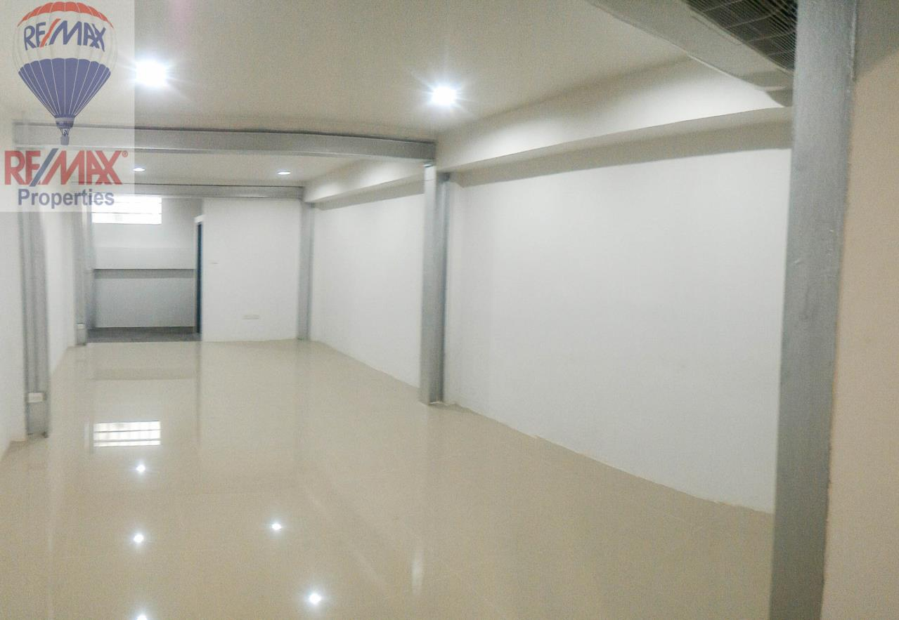 RE/MAX Properties Agency's Office for rent near Sukhumvit road 7