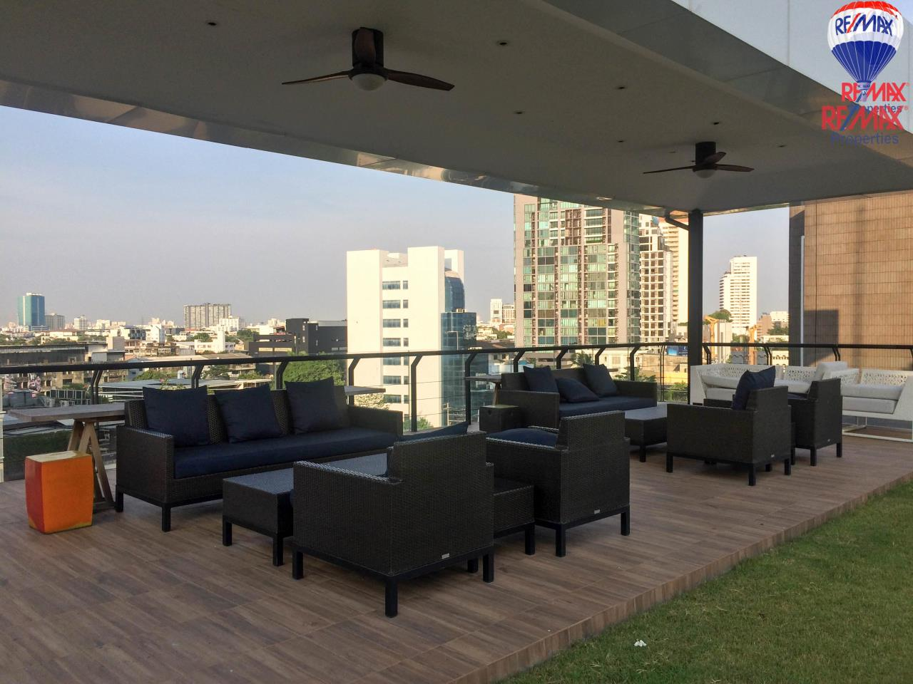 RE/MAX Properties Agency's For Rent 2 Beds Condo in Watthana, Bangkok, Thailand  6