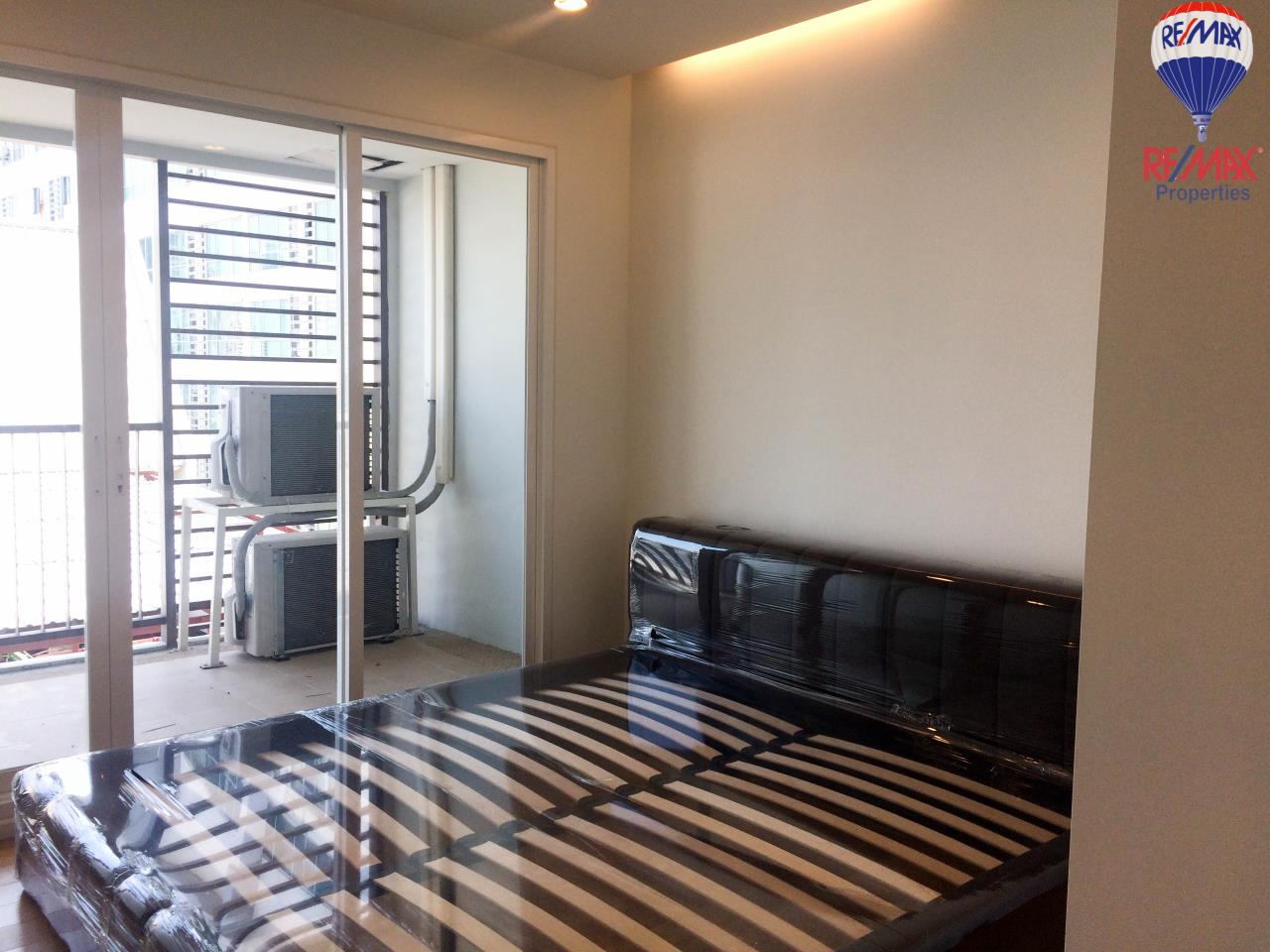 RE/MAX Properties Agency's 1 Bed for Sale 15 Sukhumvit Residences 2