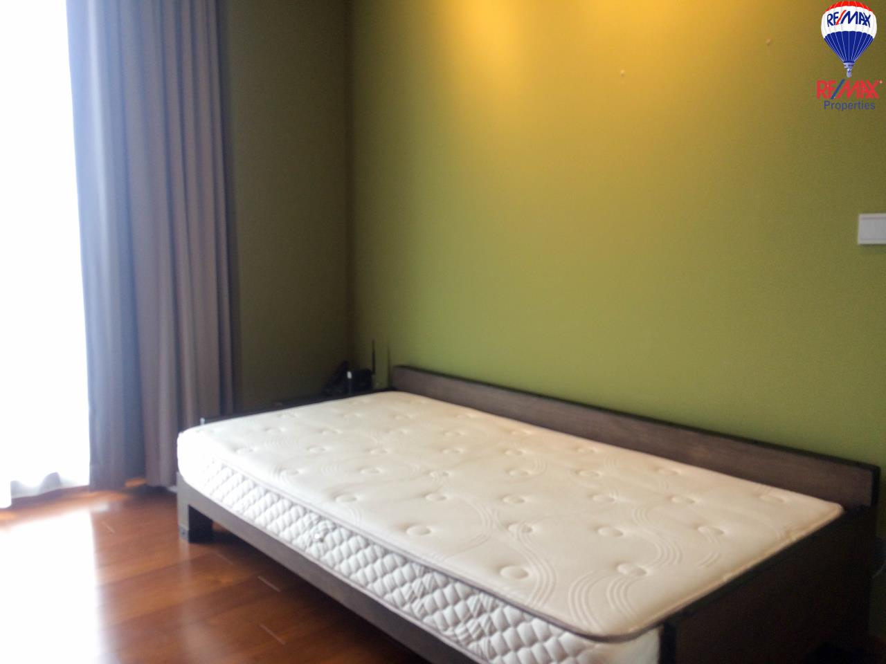 RE/MAX Properties Agency's 2 Bedrooms 86 Sq.M. for rent in Quattro by Sansiri 13