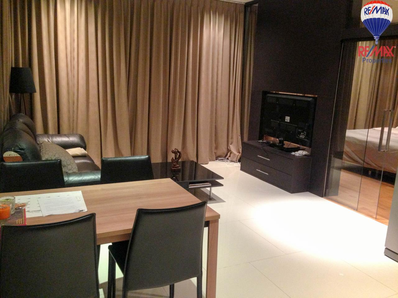 RE/MAX Properties Agency's The Emporio Place For Sales 1 bed 47 Sqm 1