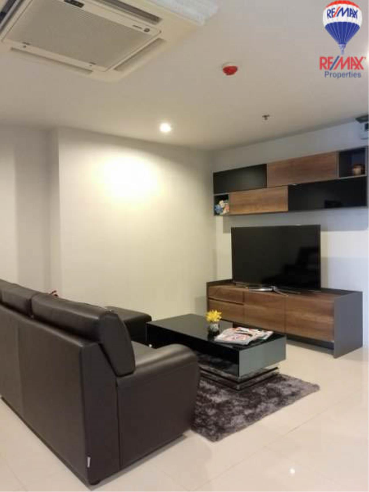 RE/MAX Properties Agency's 1 Bedroom 60 Sq.M. for sale in Sukhumvit Living Town 4