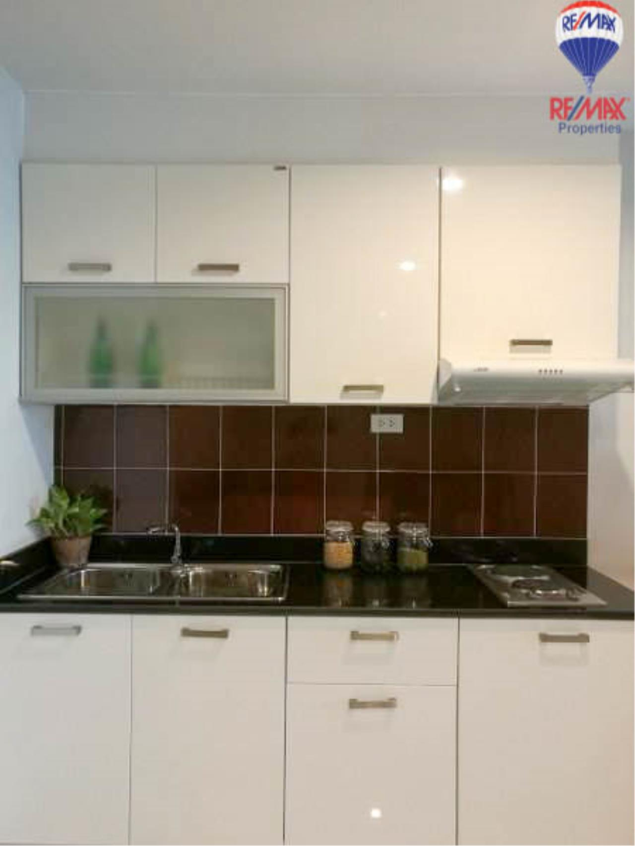 RE/MAX Properties Agency's 1 Bedroom 60 Sq.M. for sale in Sukhumvit Living Town 5