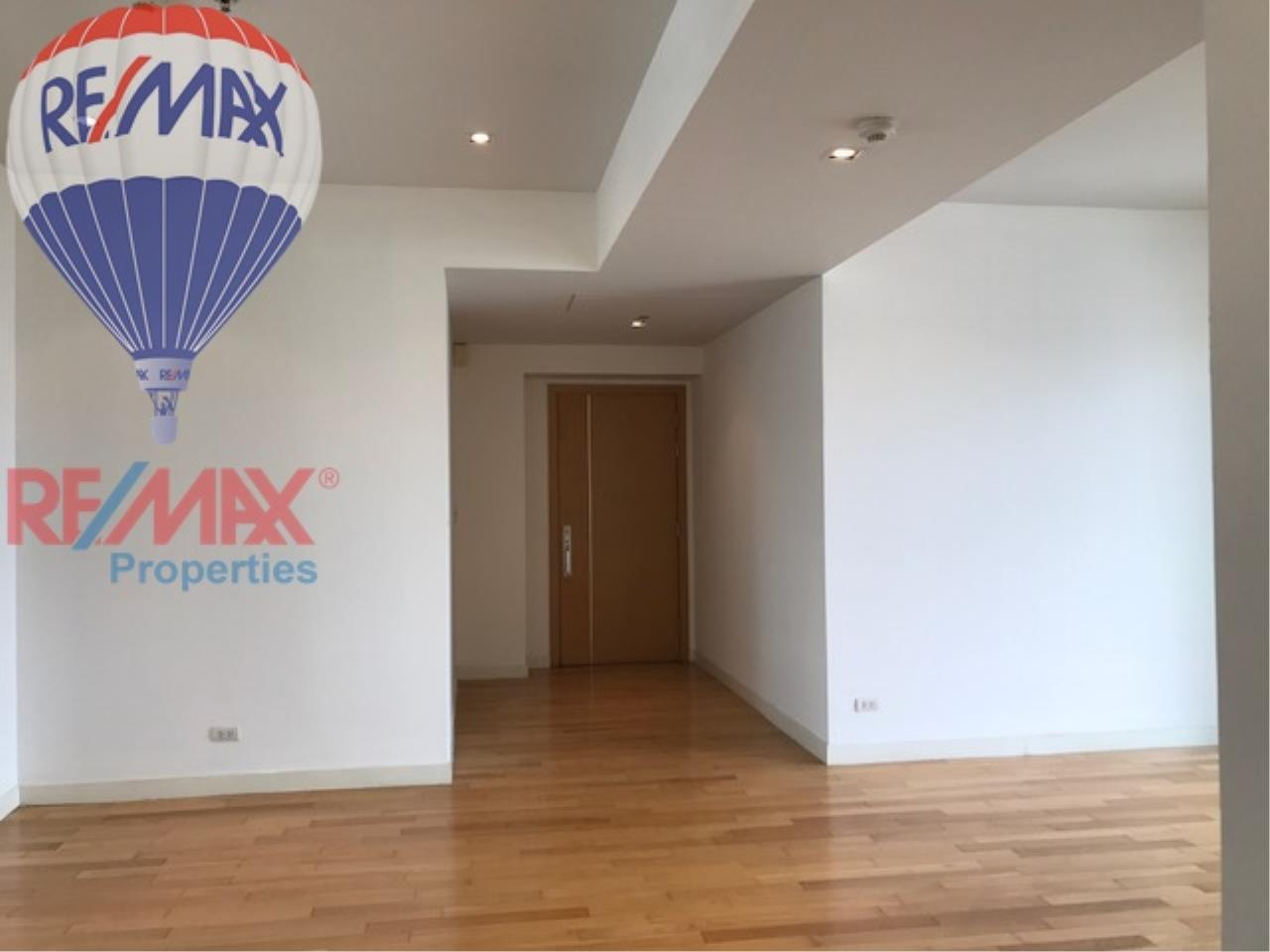 RE/MAX Properties Agency's RENT 3 Bedroom 146 Sq.m at Millennium Residence 1