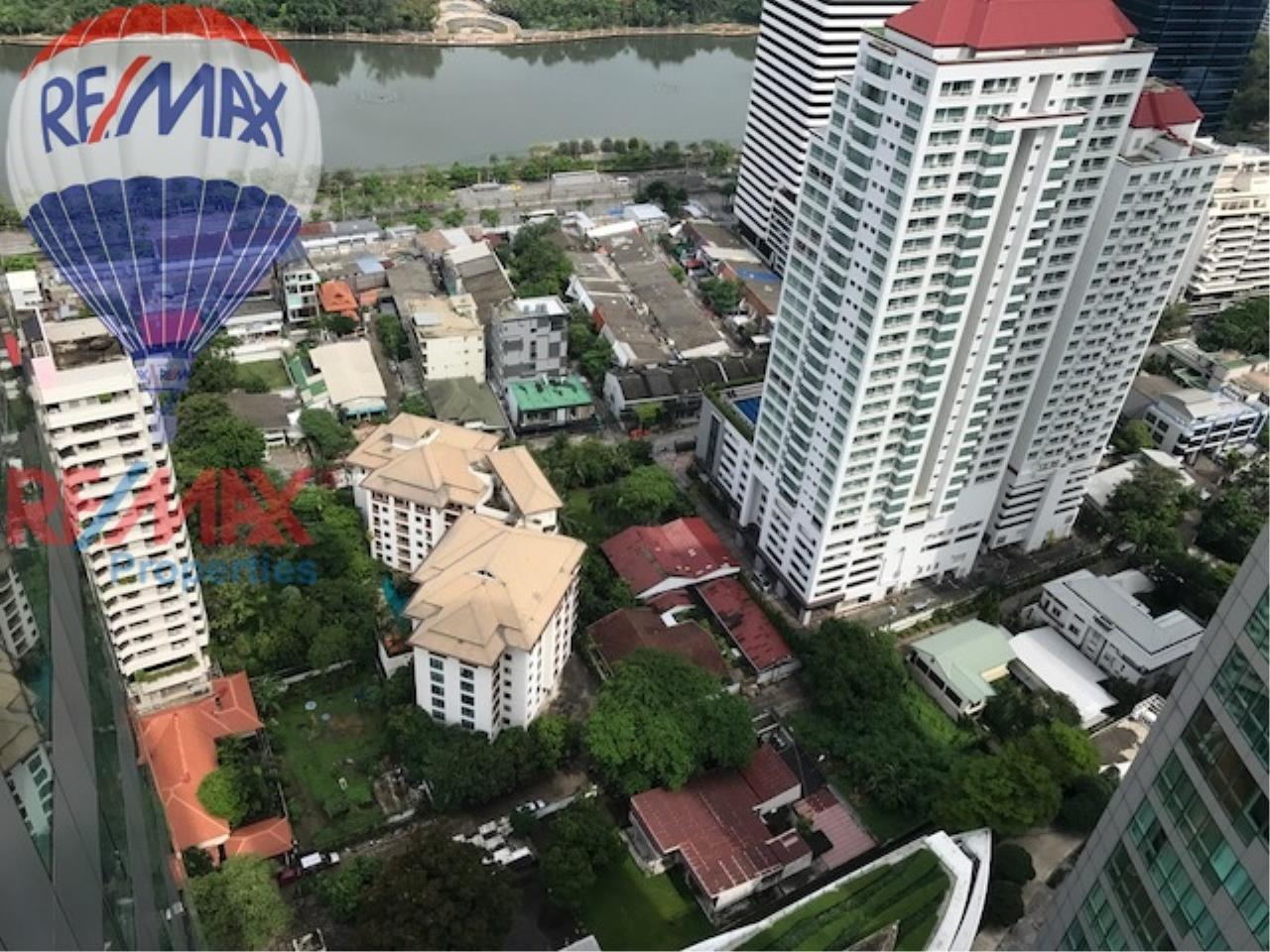 RE/MAX Properties Agency's RENT 3 Bedroom 146 Sq.m at Millennium Residence 7