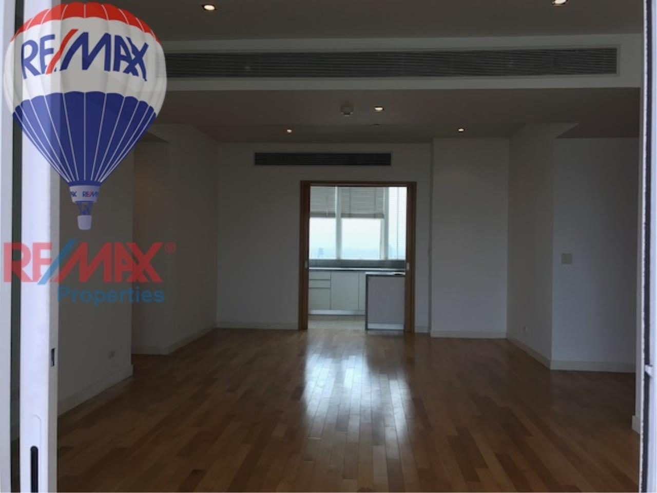 RE/MAX Properties Agency's RENT 3 Bedroom 146 Sq.m at Millennium Residence 9