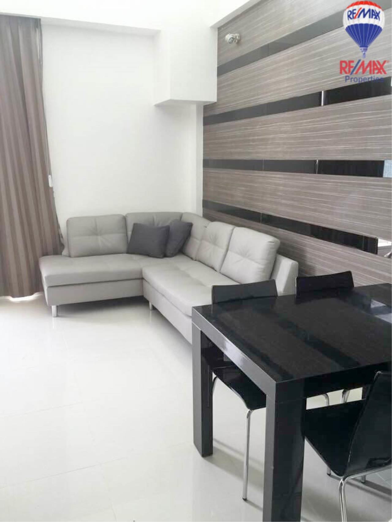 RE/MAX Properties Agency's 2 Bedrooms Duplex style for rent at The Trendy condo 6