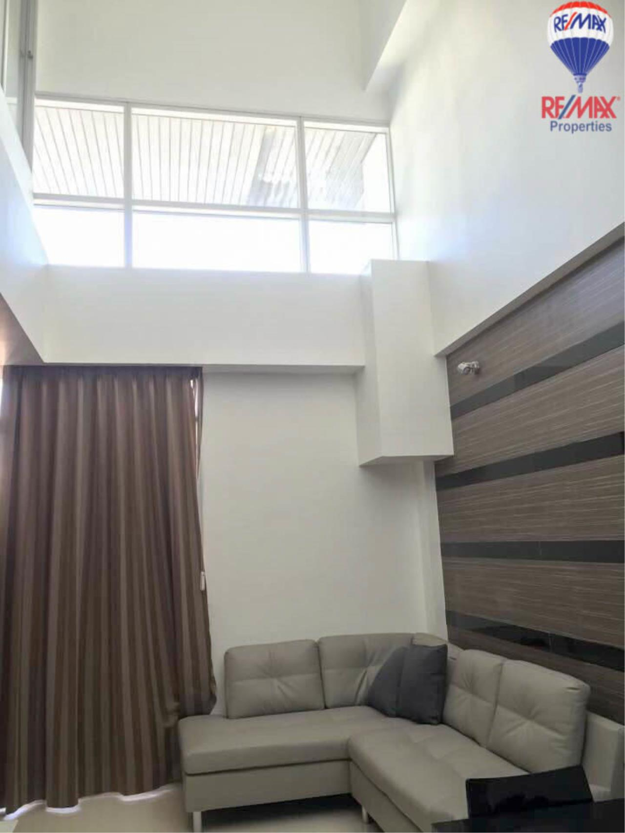 RE/MAX Properties Agency's 2 Bedrooms Duplex style for rent at The Trendy condo 2