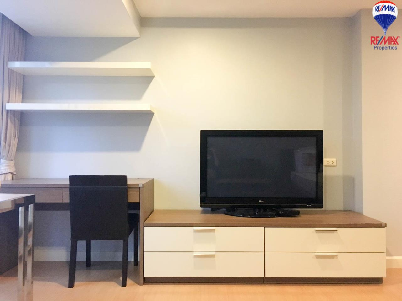 RE/MAX Properties Agency's Studio style for rent at The Trendy condo 7