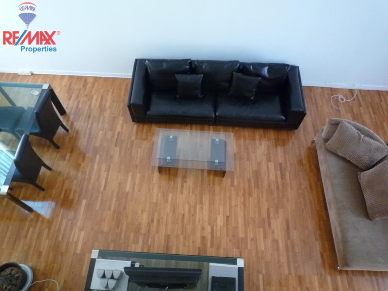 RE/MAX Properties Agency's Bann Klang Krung in Thonglor 14 6
