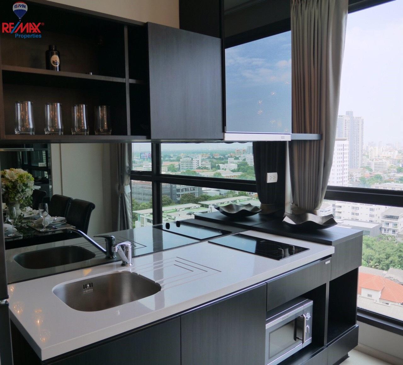RE/MAX Properties Agency's RHYTHM Sukhumvit 44 5