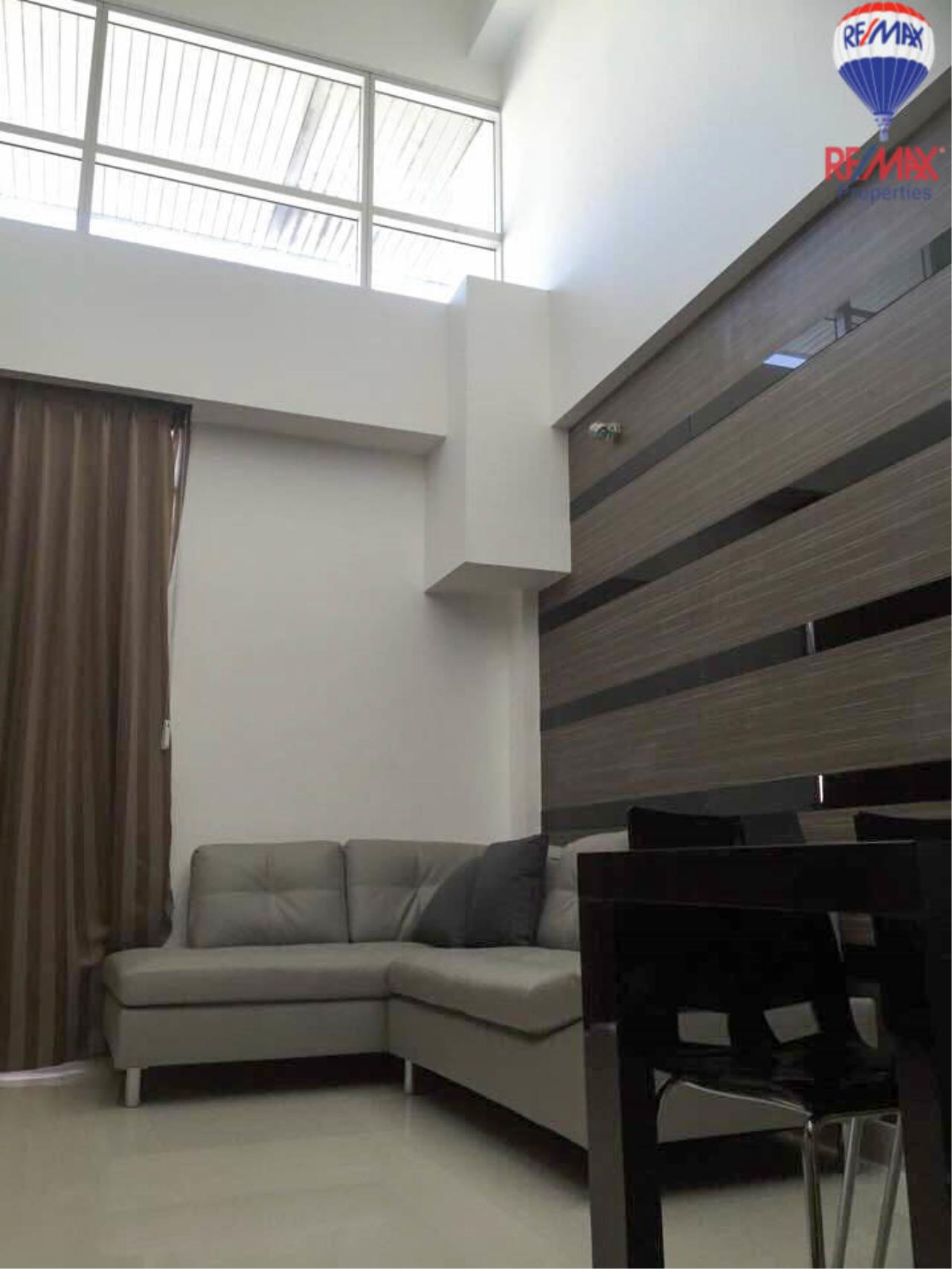 RE/MAX Properties Agency's 2 Bedrooms Duplex style for rent at The Trendy condo 1