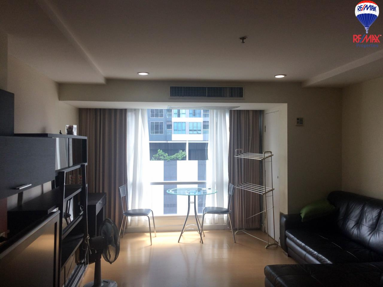RE/MAX Properties Agency's Studio style for rent at The Trendy condo 3