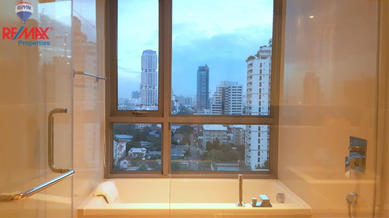 RE/MAX Properties Agency's H Condo Sukhumvit 43 11