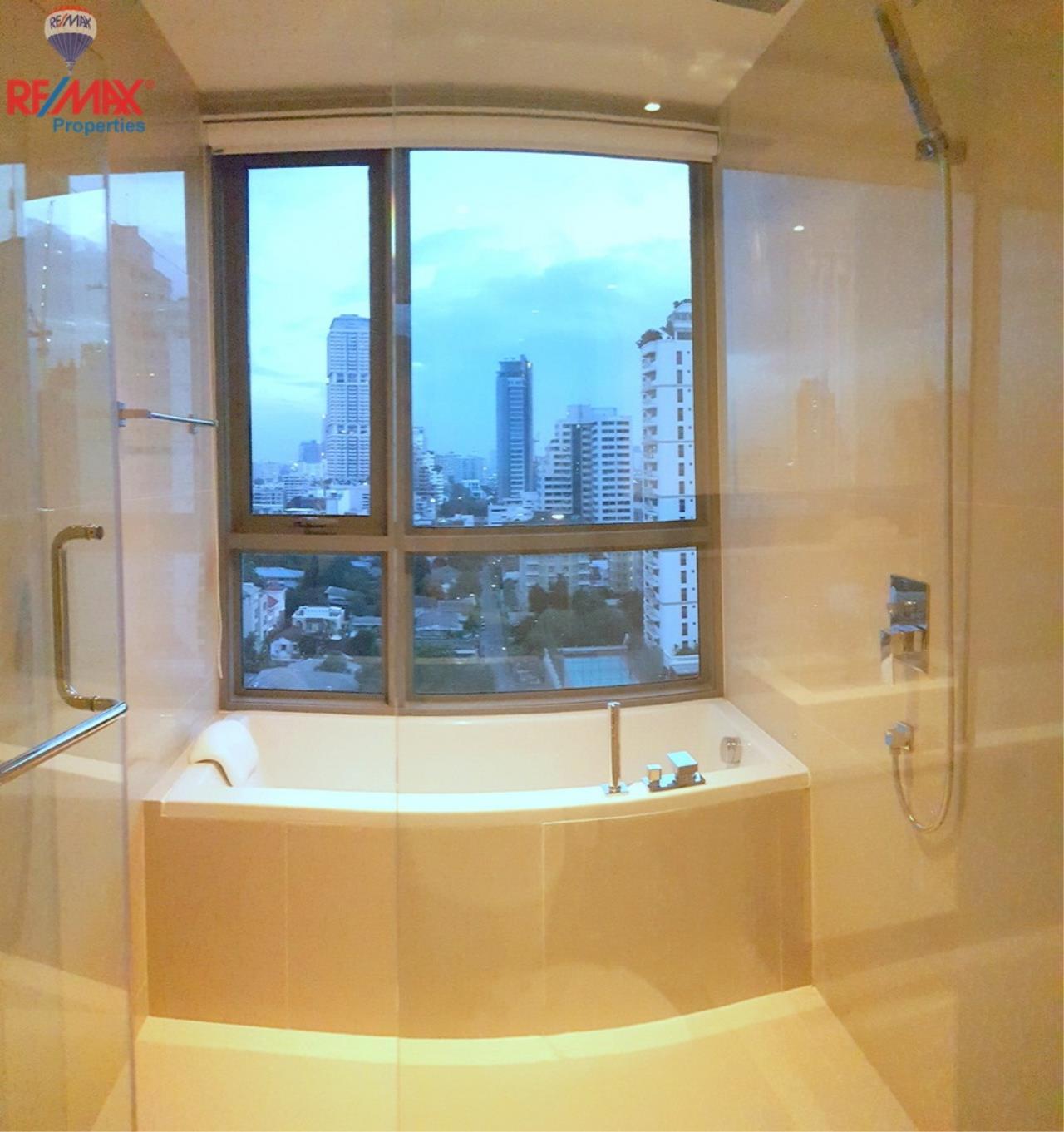 RE/MAX Properties Agency's H Condo Sukhumvit 43 12