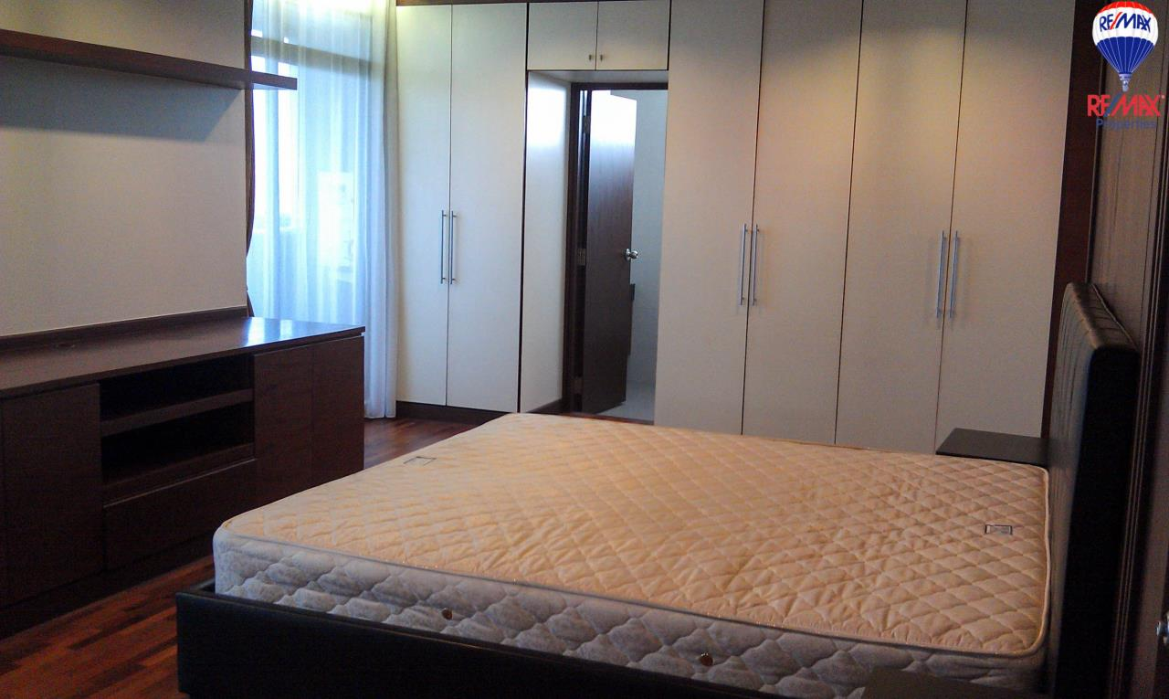 RE/MAX Properties Agency's 2 Bedrooms 140 Sq.M. for rent at The Roof Garden 5