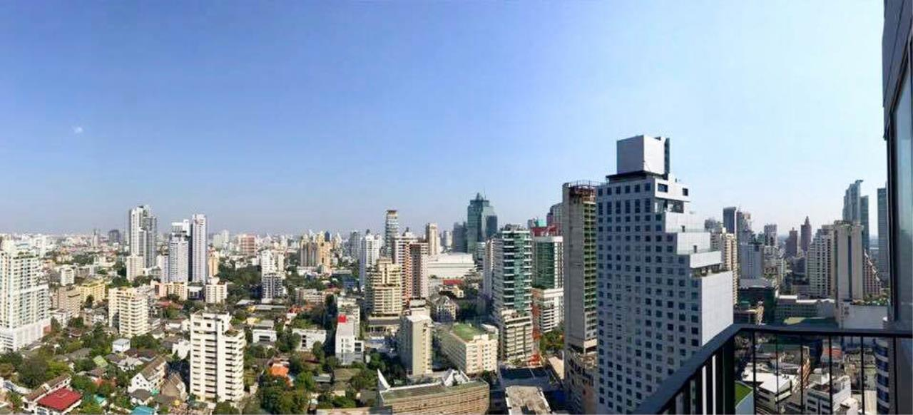 RE/MAX Properties Agency's 1 Bedroom 41 Sq.M. for sale at EDGE Sukhumvit 23 4