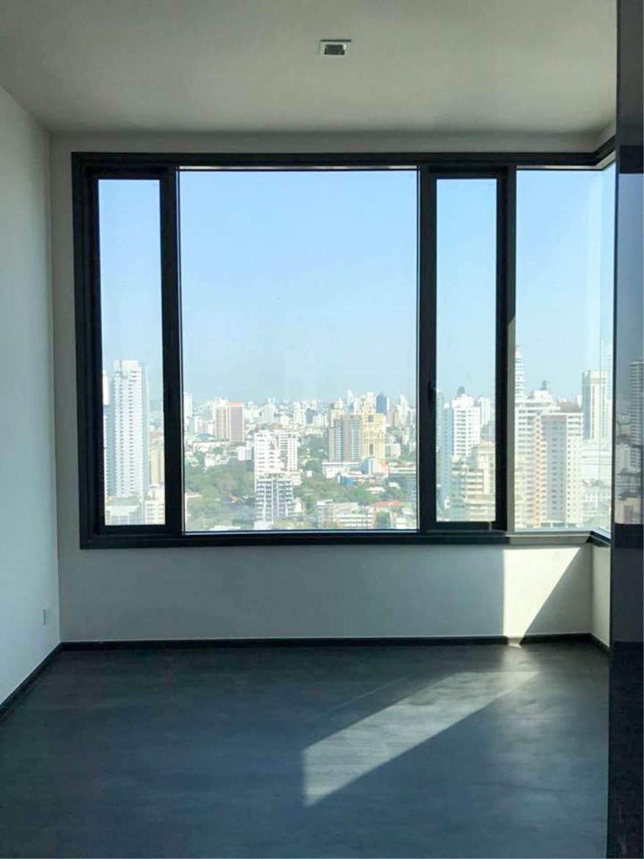 RE/MAX Properties Agency's 1 Bedroom 41 Sq.M. for sale at EDGE Sukhumvit 23 2
