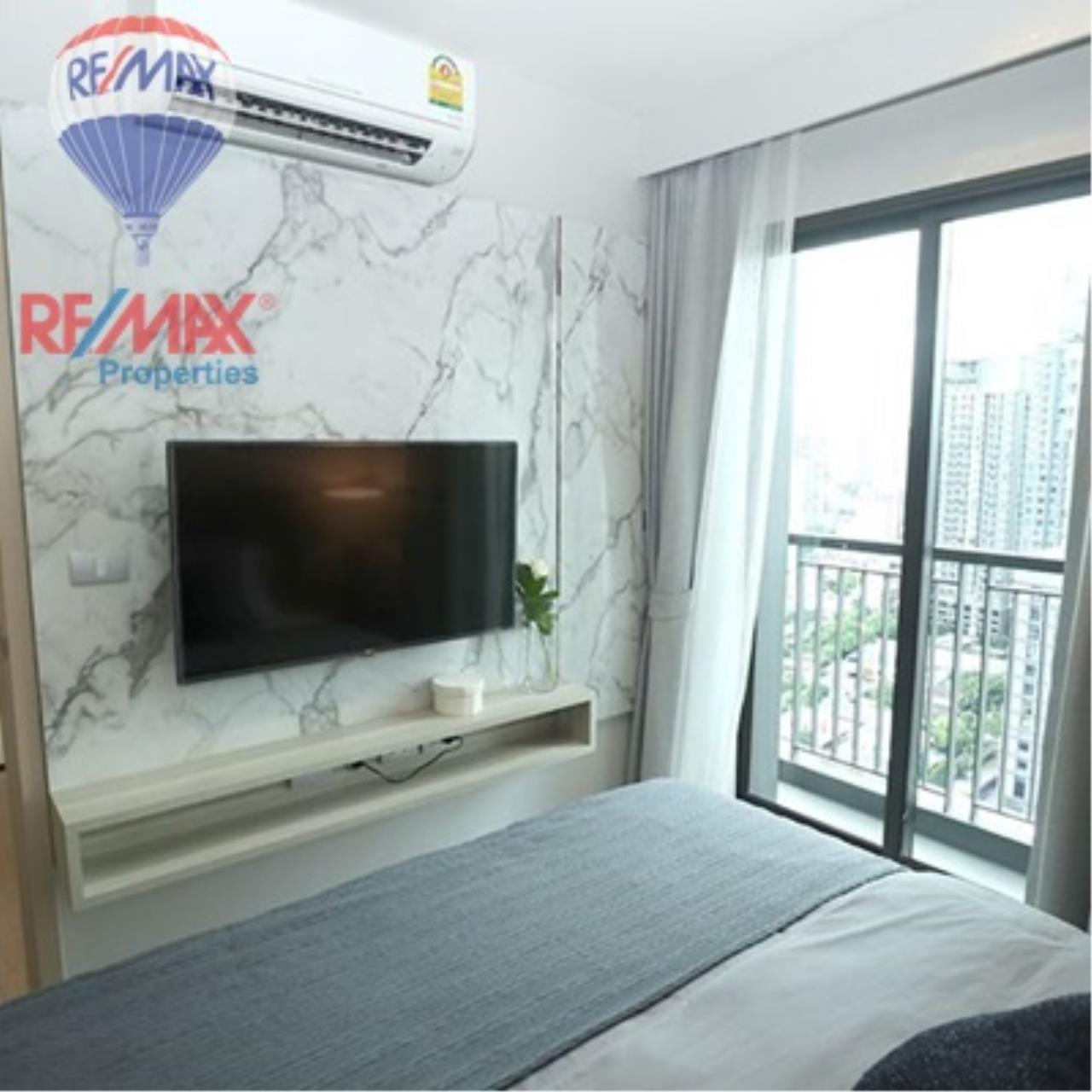 RE/MAX Properties Agency's FOR SALE - RHYTHM SUKHUMVIT 36-38 1 BED 33 SQM  2