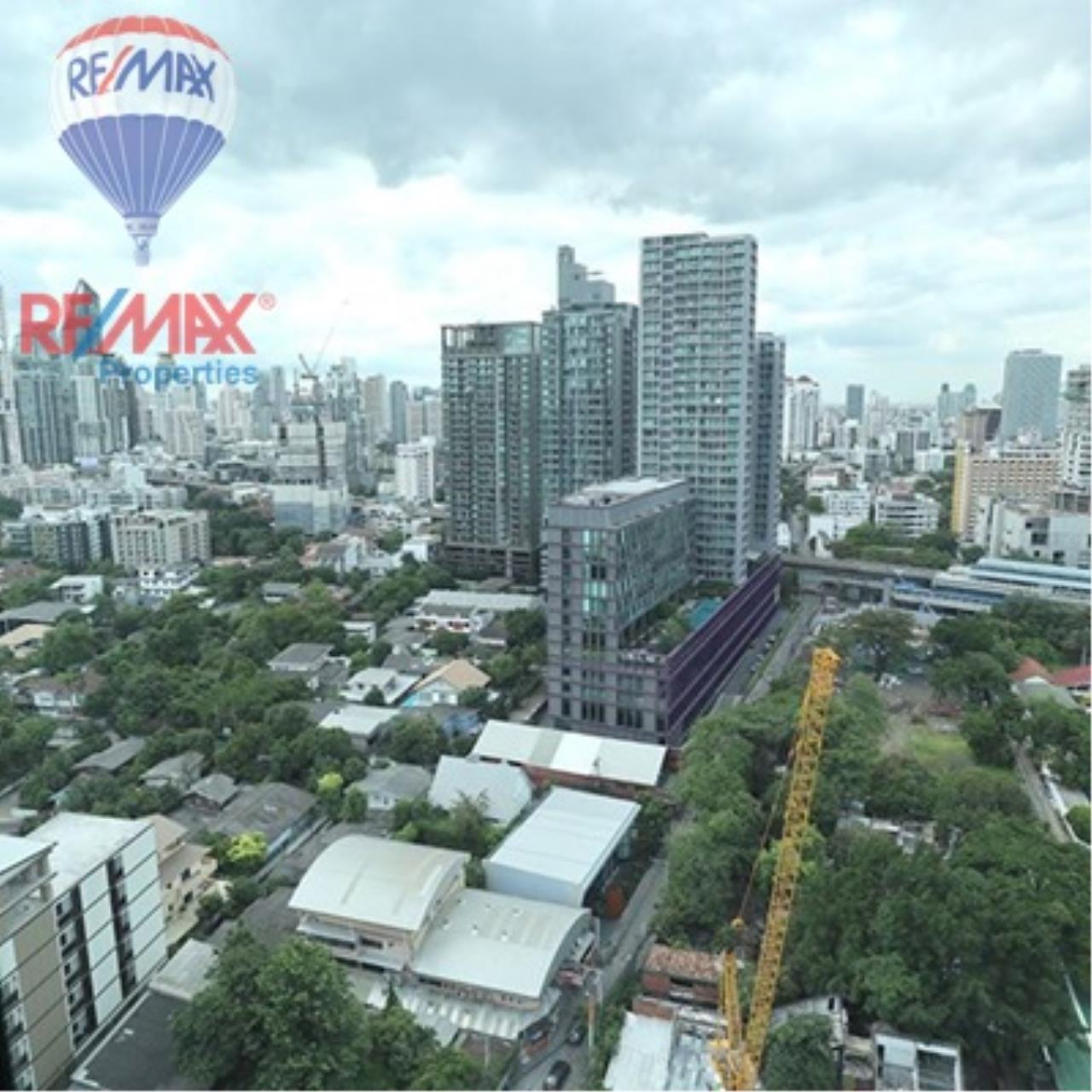 RE/MAX Properties Agency's FOR SALE - RHYTHM SUKHUMVIT 36-38 1 BED 33 SQM  6