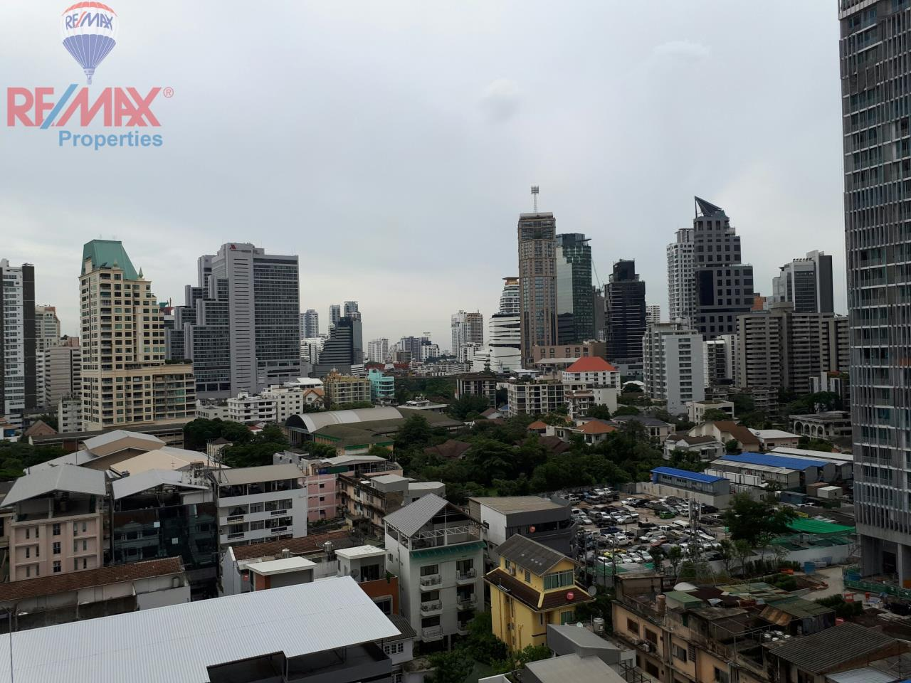 RE/MAX Properties Agency's RENT 2 Bedroom 85 Sq.m at Aguston Sukhumvit 22 4
