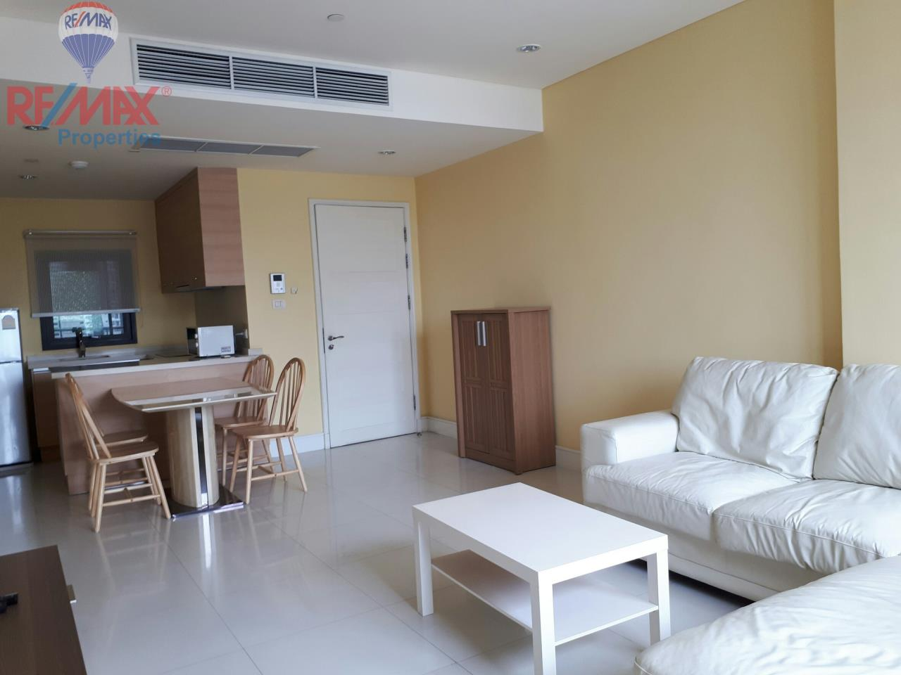 RE/MAX Properties Agency's RENT 2 Bedroom 85 Sq.m at Aguston Sukhumvit 22 3