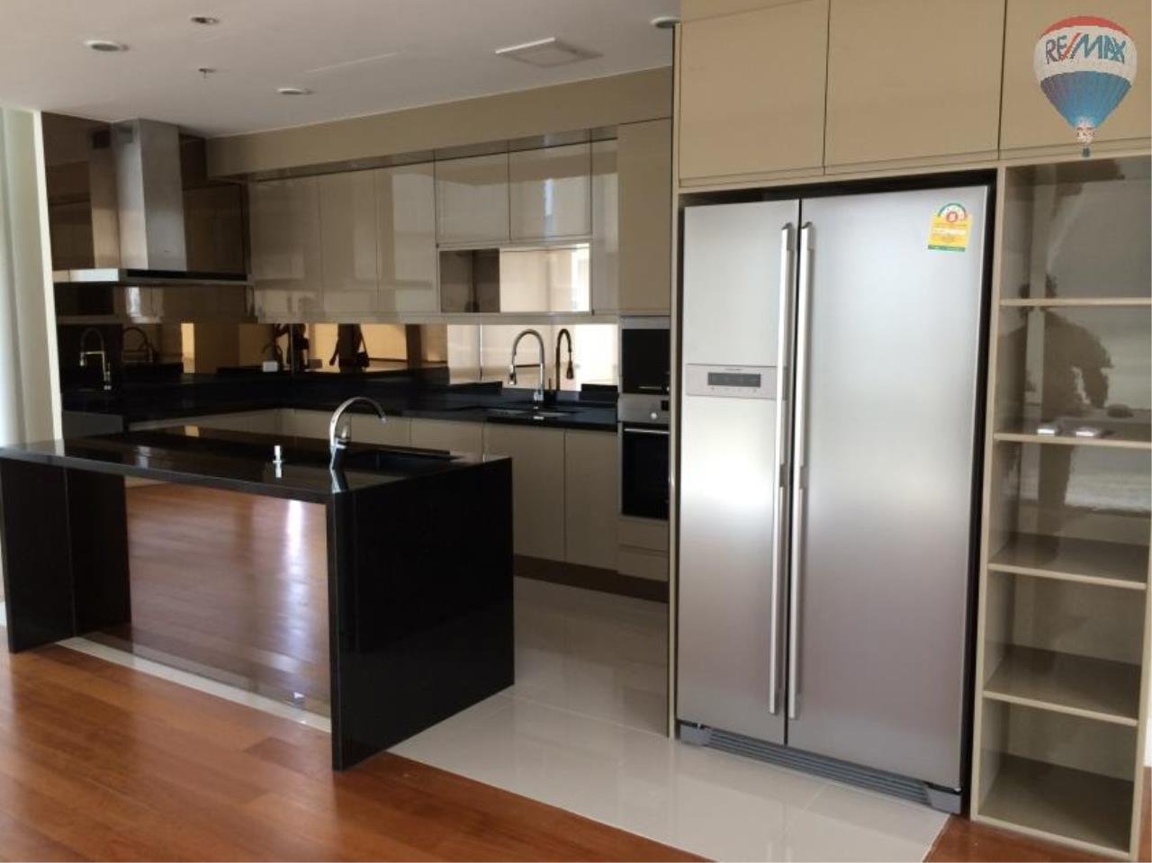 RE/MAX Properties Agency's 6 Bedroom 365 sq.m. for Rent at Bright Sukhumvit 24 14