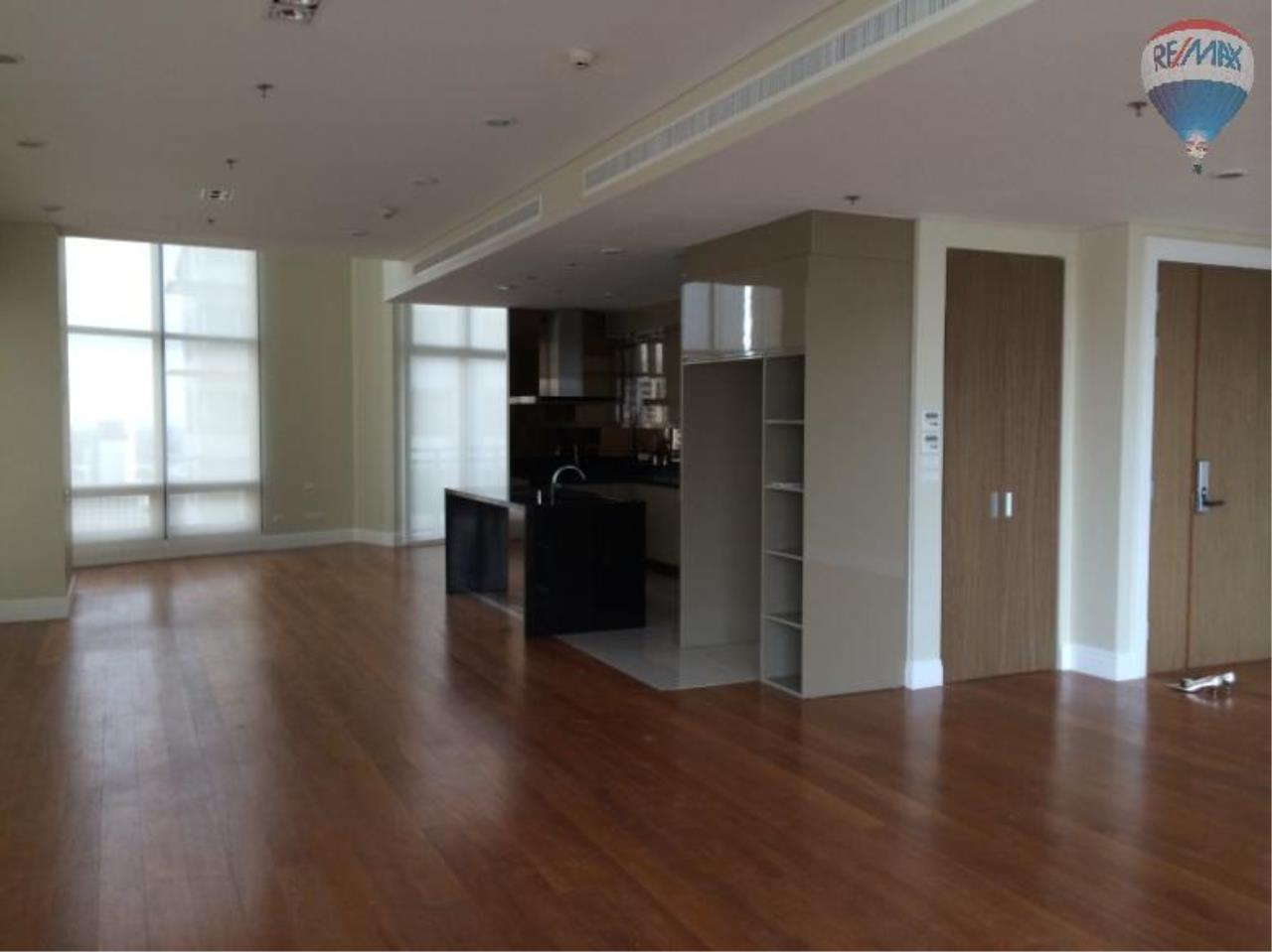 RE/MAX Properties Agency's 6 Bedroom 365 sq.m. for Rent at Bright Sukhumvit 24 27