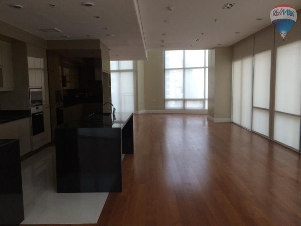 RE/MAX Properties Agency's 6 Bedroom 365 sq.m. for Rent at Bright Sukhumvit 24 8