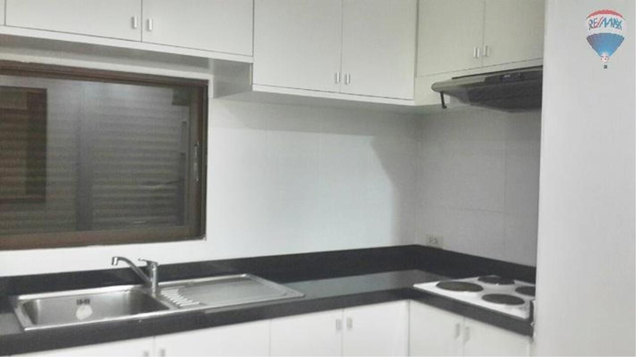 RE/MAX Properties Agency's 2 Bedroom 91.45 sq.m. for Rent at Acadamia Grand Tower 10
