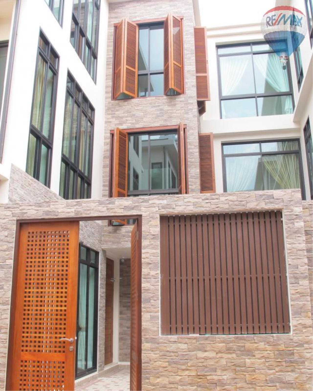 RE/MAX Properties Agency's 5 Bedroom 600 sq.m. for Rent in Sukhumvit 24 1