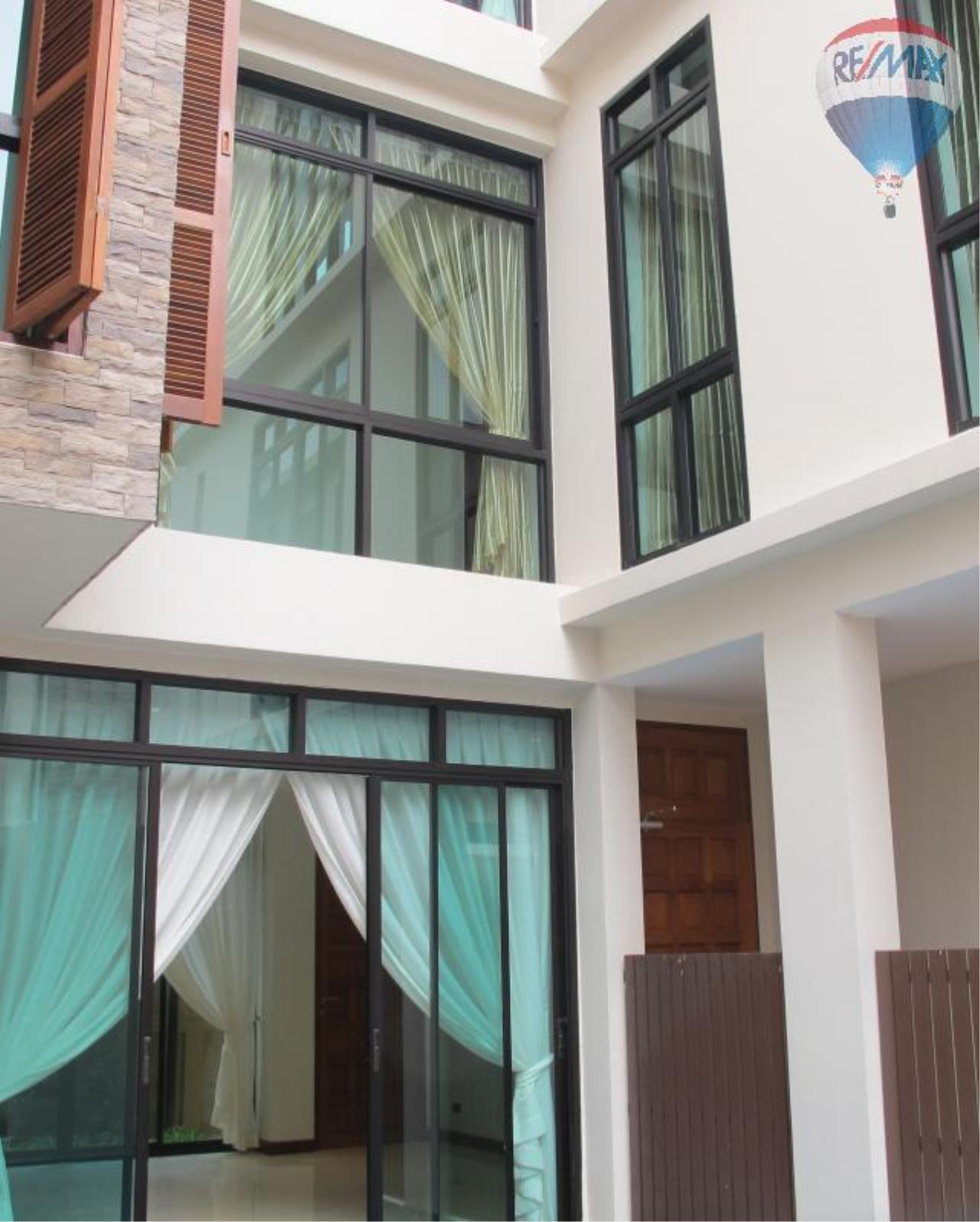 RE/MAX Properties Agency's 5 Bedroom 600 sq.m. for Rent in Sukhumvit 24 4