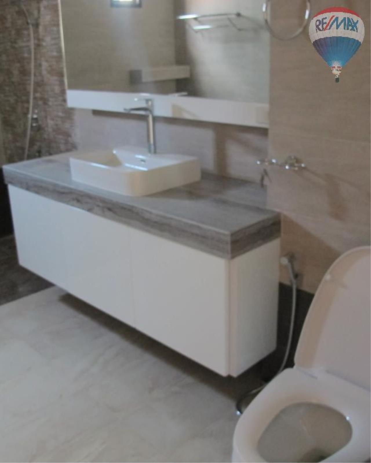 RE/MAX Properties Agency's 5 Bedroom 600 sq.m. for Rent in Sukhumvit 24 6