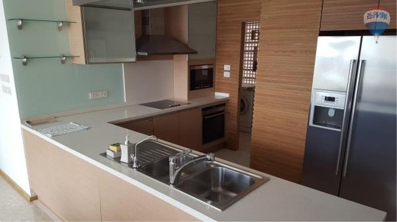 RE/MAX Properties Agency's 3 Bedroom Apartment for Rent in Sathorn 4