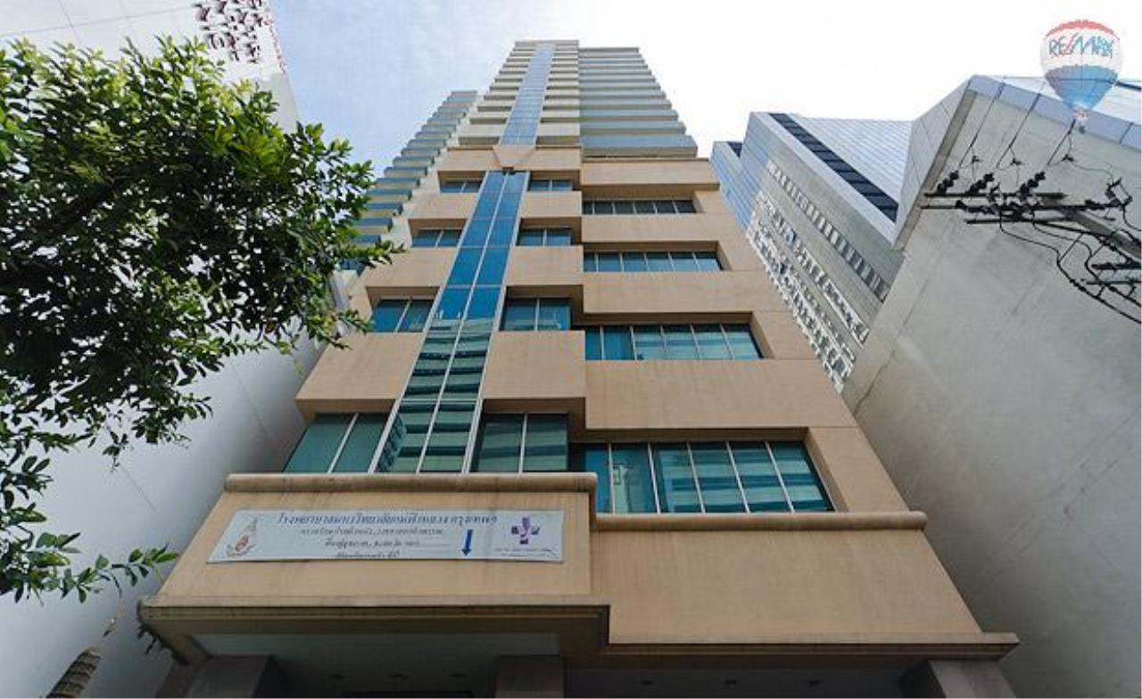 RE/MAX Properties Agency's 2 Bedroom 86 sq.m. for Rent at Asoke Place 19