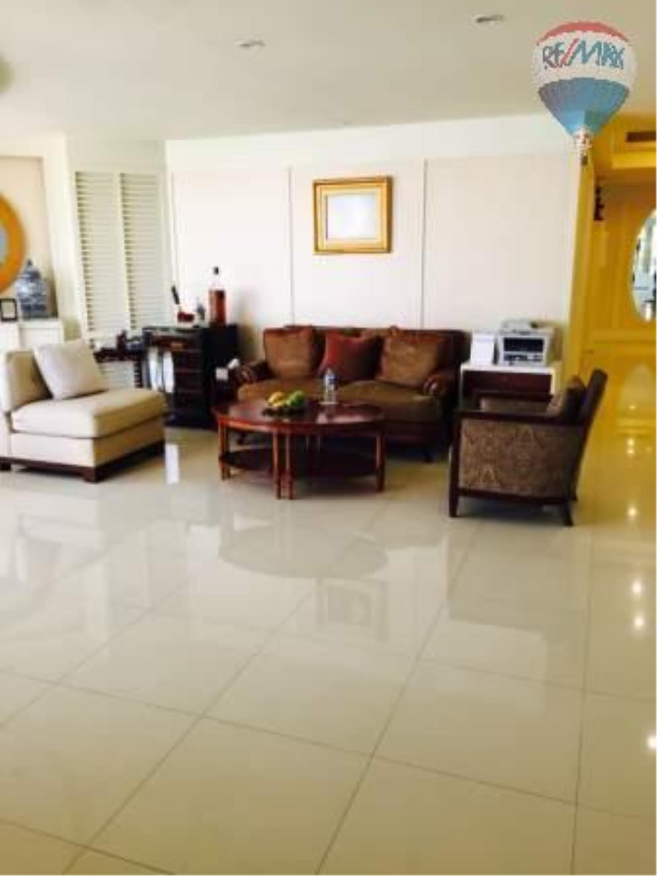 RE/MAX Properties Agency's 3 Bedrom 318 Sq.m For Sale at City Lakes 1