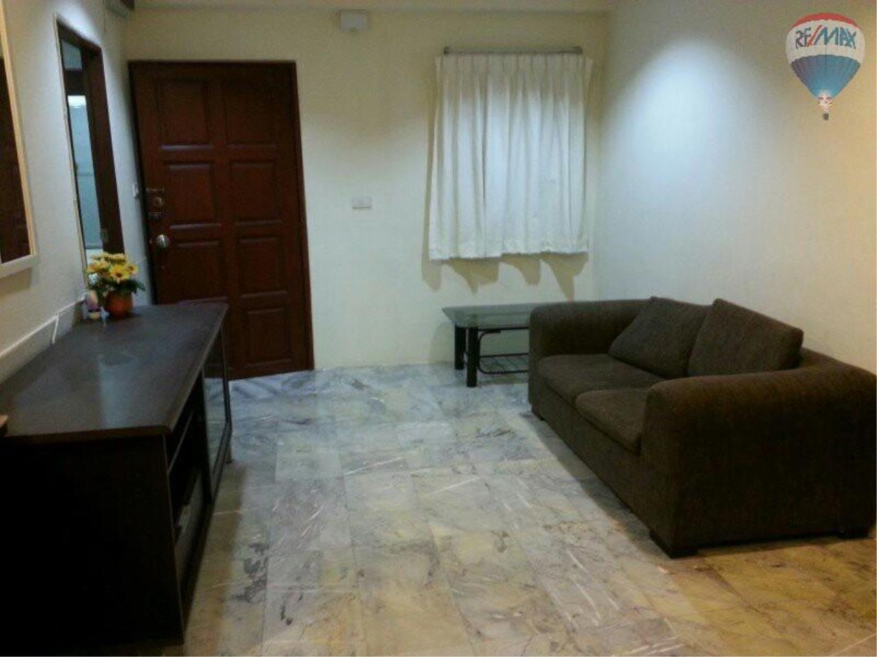 RE/MAX Properties Agency's 1 Bedroom 56 Sq.m for SALE at Saranjai Mansion,Sukhumvit Soi 4 (Nana) 1