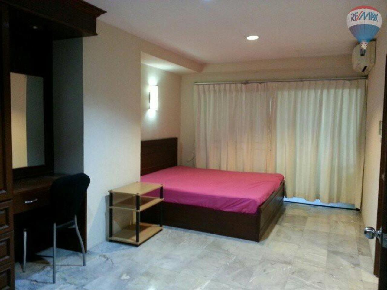 RE/MAX Properties Agency's 1 Bedroom 56 Sq.m for SALE at Saranjai Mansion,Sukhumvit Soi 4 (Nana) 3
