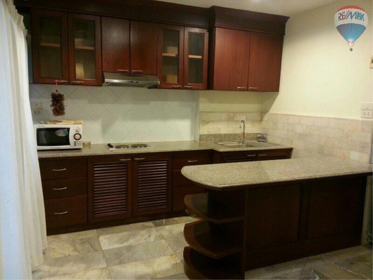 RE/MAX Properties Agency's 1 Bedroom 56 Sq.m for SALE at Saranjai Mansion,Sukhumvit Soi 4 (Nana) 5