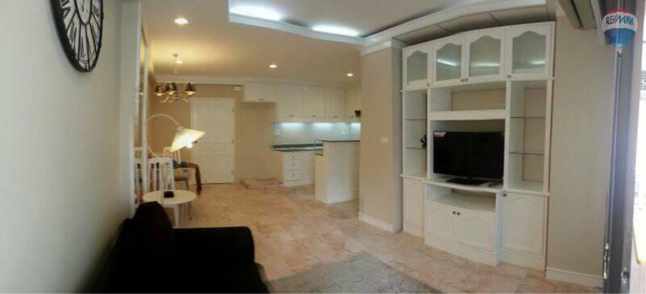 RE/MAX Properties Agency's 1 Bedroom 60 Sq.m for RENT at Saranjai Mansion,Sukhumvit Soi 4 (Nana) 7