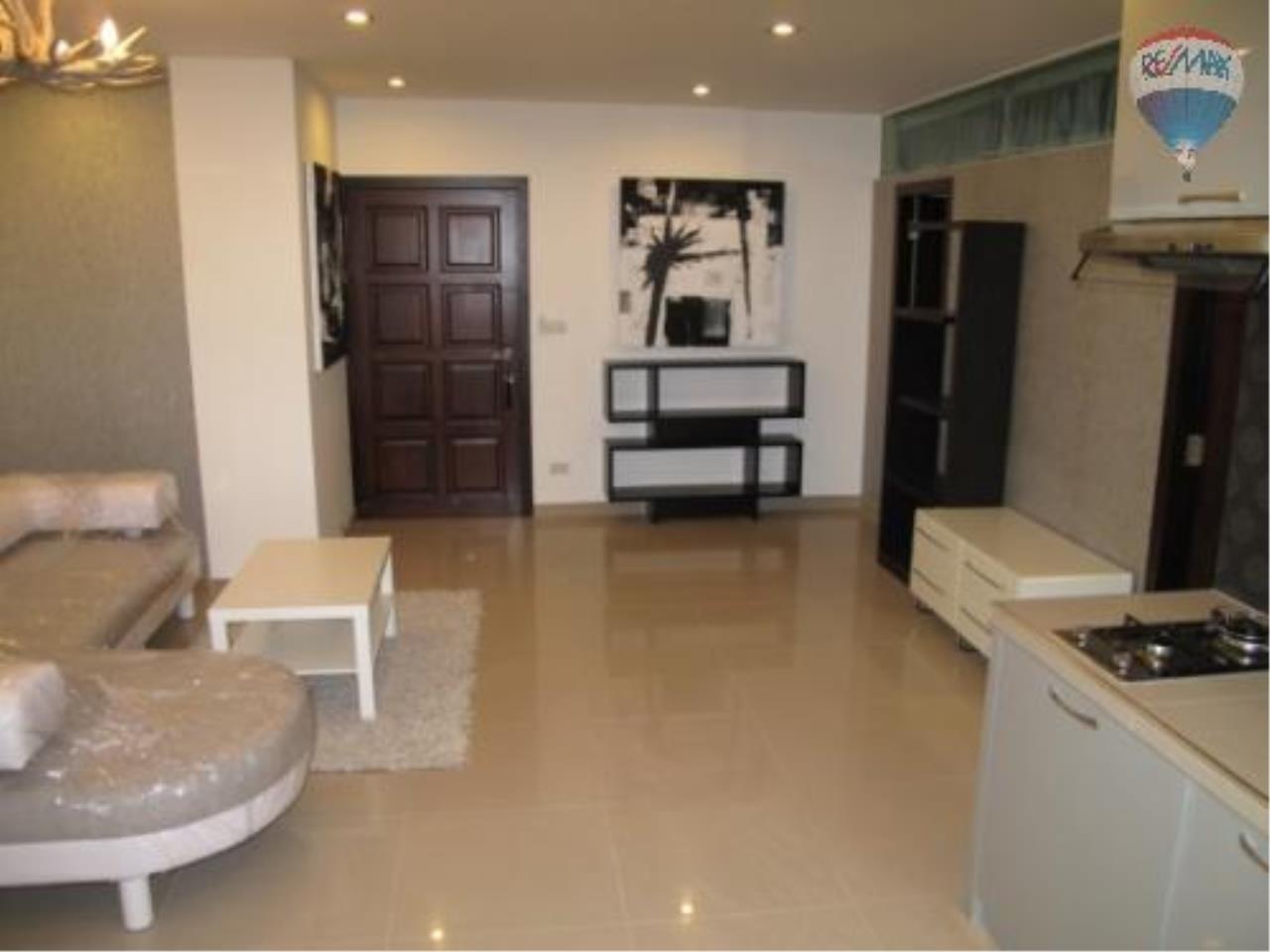 RE/MAX Properties Agency's 2 Bedroom for SALE 2